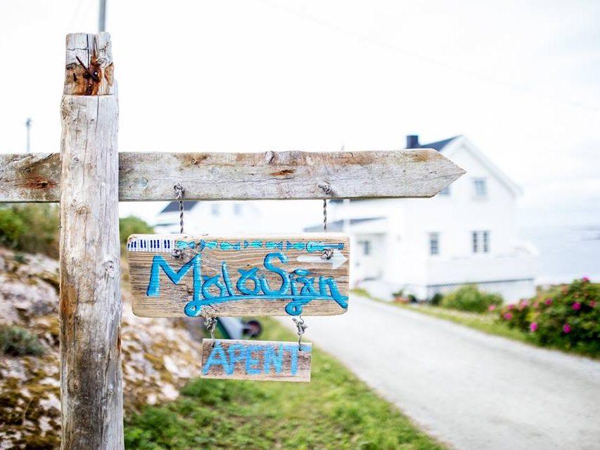 Overnatting, kulturopplevelser og kortreist mat på øya Sula i Frøyas skjærgård.