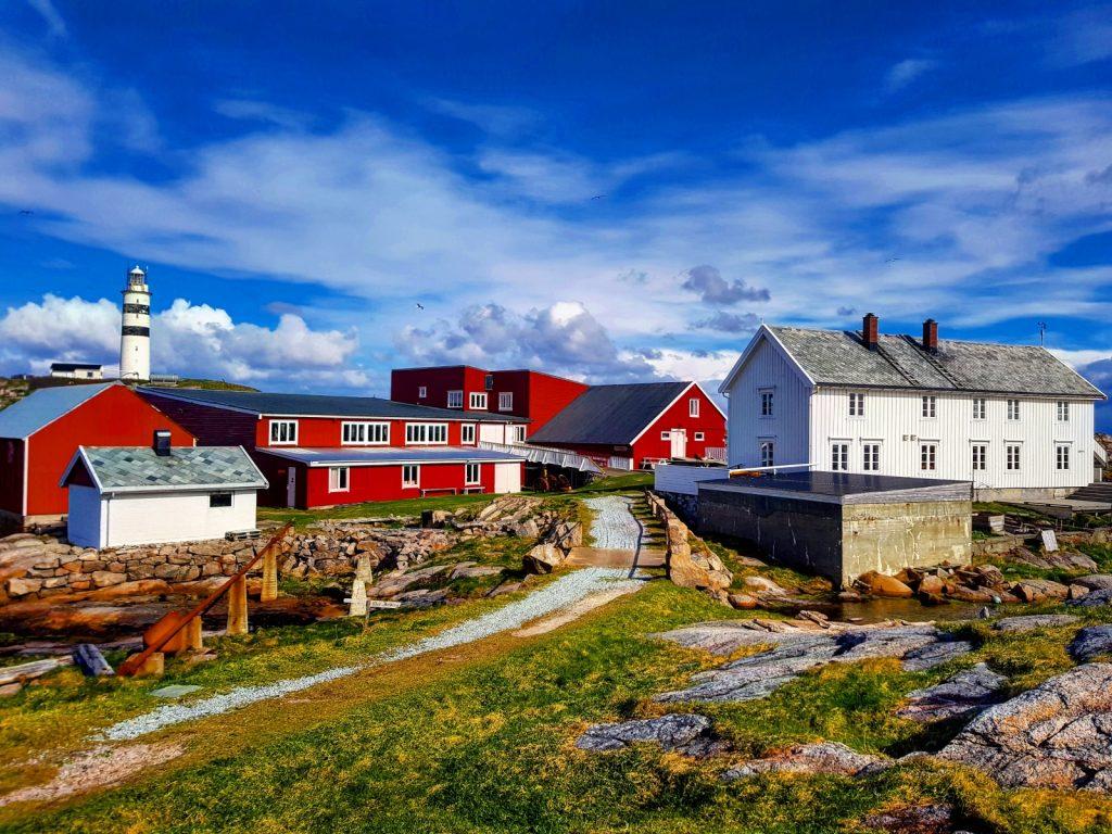 Halten i Øyrekka, Frøyas skjærgård. Trøndelagskysten