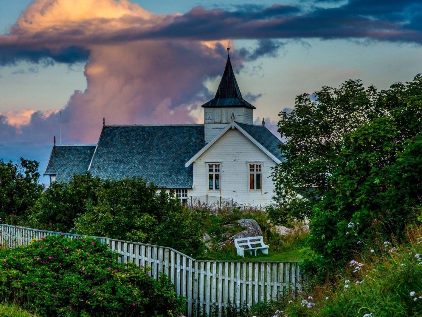 Sula kirke - nøkkelsted på den nasjonale kystpilegrimsleia