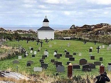 Værøya gravplass ved Sørburøya i Froan. Frøyas skjærgård