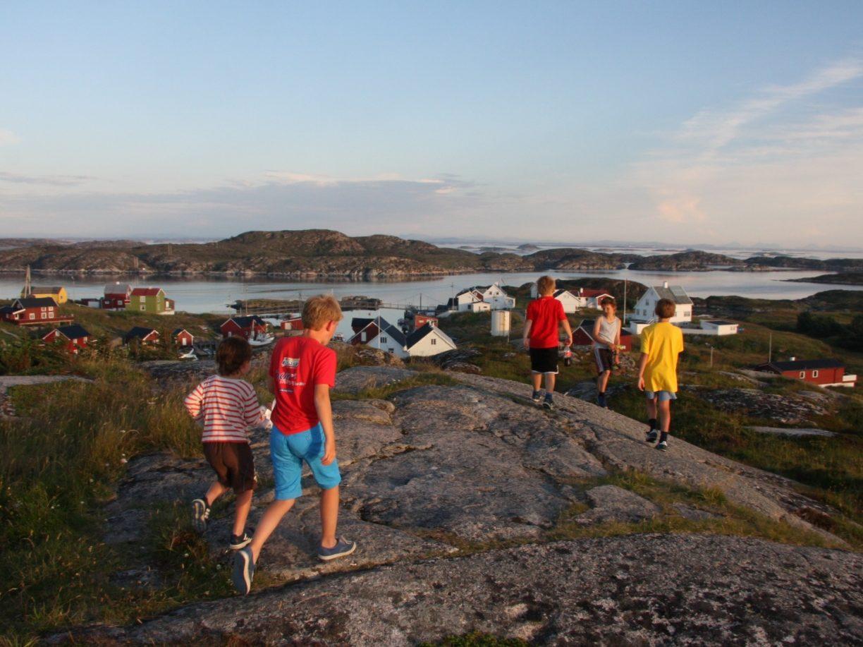 Sommerferie, skattejakt og nye venner i Øyrekka, Frøyas skjærgård