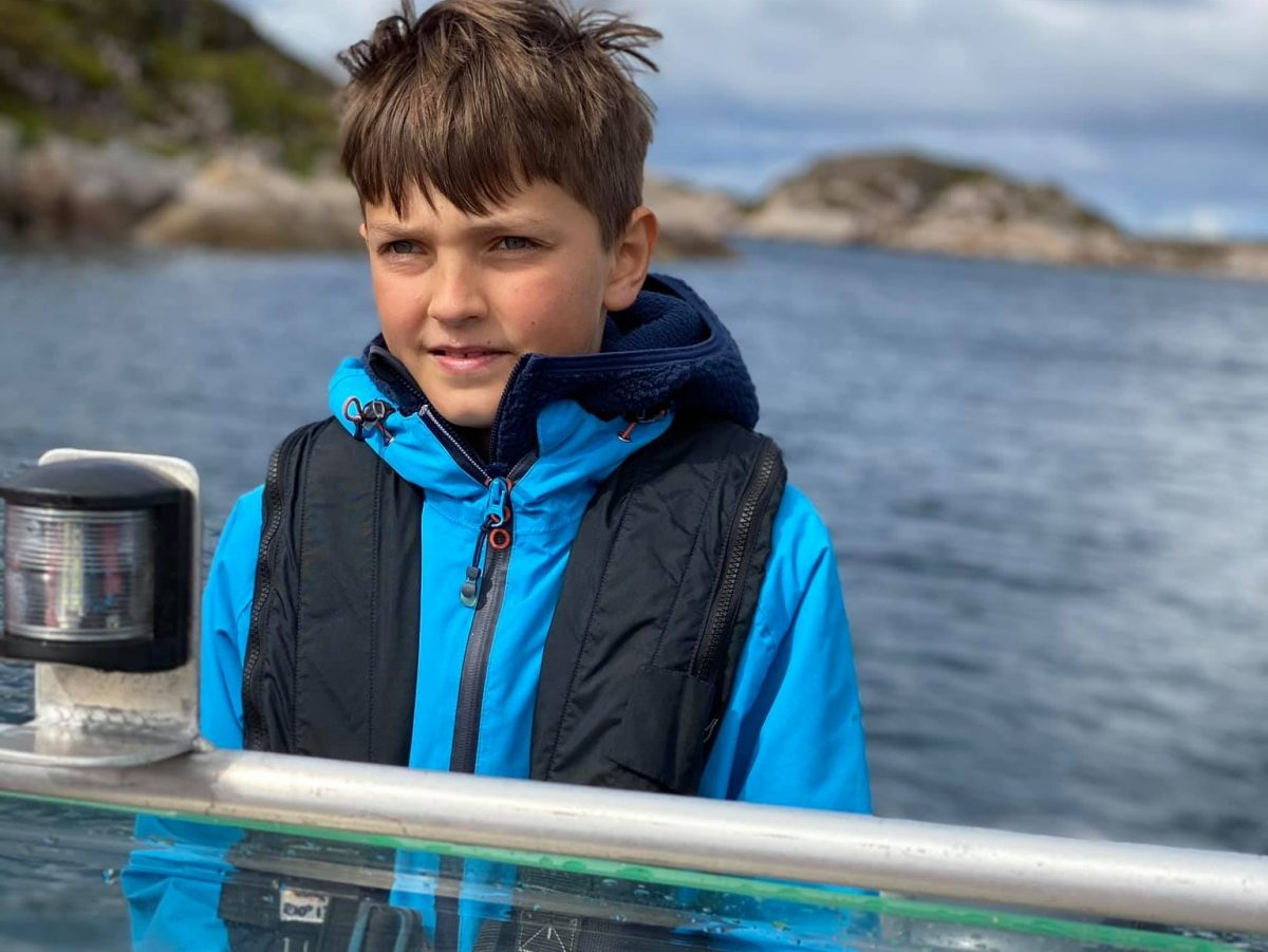 Båtkjøring og mestring - norgesferie med barn i Frøyas skjærgård, Øyrekka på Trøndelagskysten