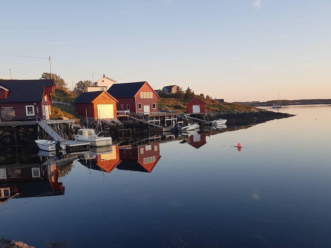 Mausundgløtt tilbyr overnatting og fiskeopplevelser i Frøyas skjærgård Øyrekkka