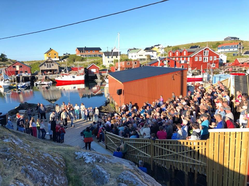 Oda fra havet. Et gripende spel som settes opp ved Kjeila i Mausund, Trøndelagskysten