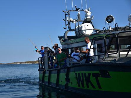 Firmatur og havfiske utenfor Bogøya. Frøyas skjærgård Øyrekka på Trøndelagskysten