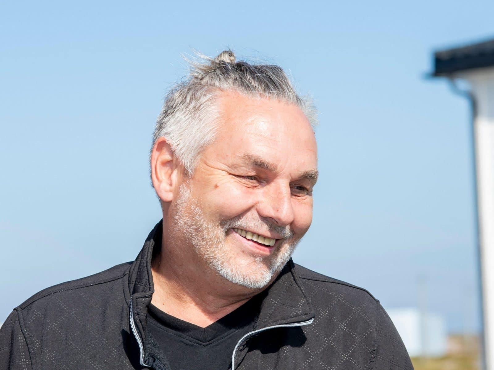 Kokk, vert og daglid leder på Sula Rorbuer og Havhotell, Roger Larsen.